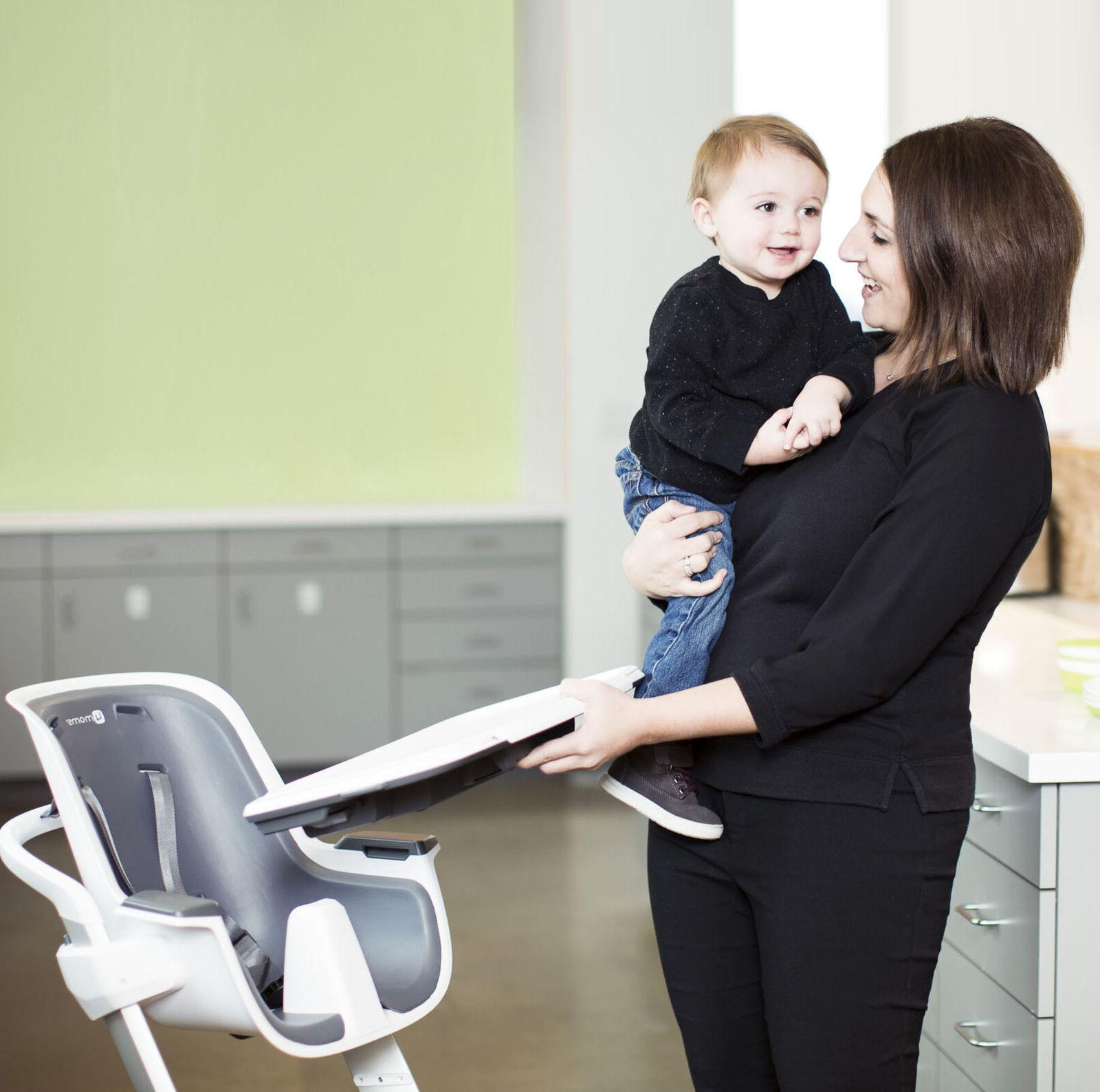 baby high chair one-handed 4moms child